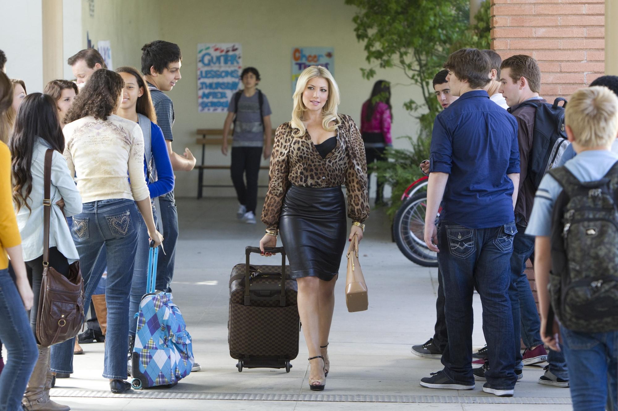 Bad Teacher: Ari Graynor in una scena del primo episodio