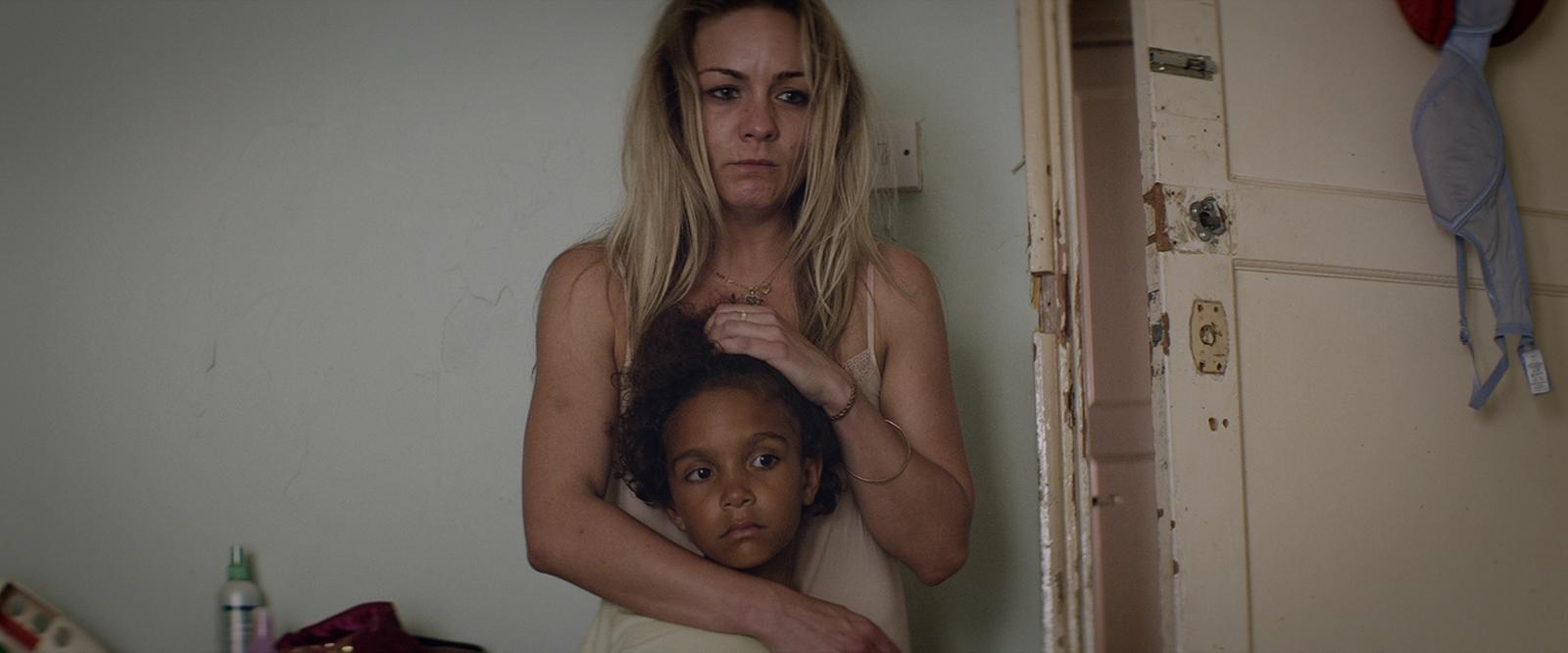 Snow in Paradise: Claire-Louise Cordwell in una drammatica immagine del film