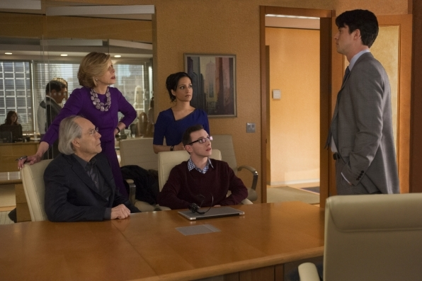 The Good Wife: Archie Panjabi, Matthew Goode, Christine Baranski, Christopher Imbrosciano e Robert Klein in The Deep Web
