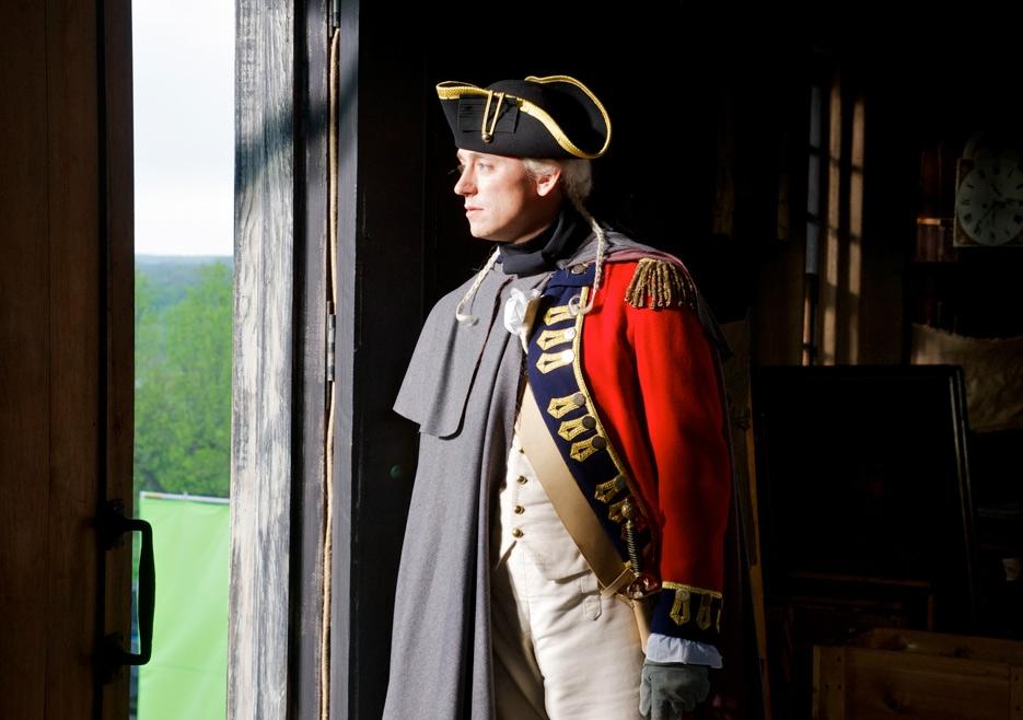 TURN: JJ Feild nel primo episodio della serie