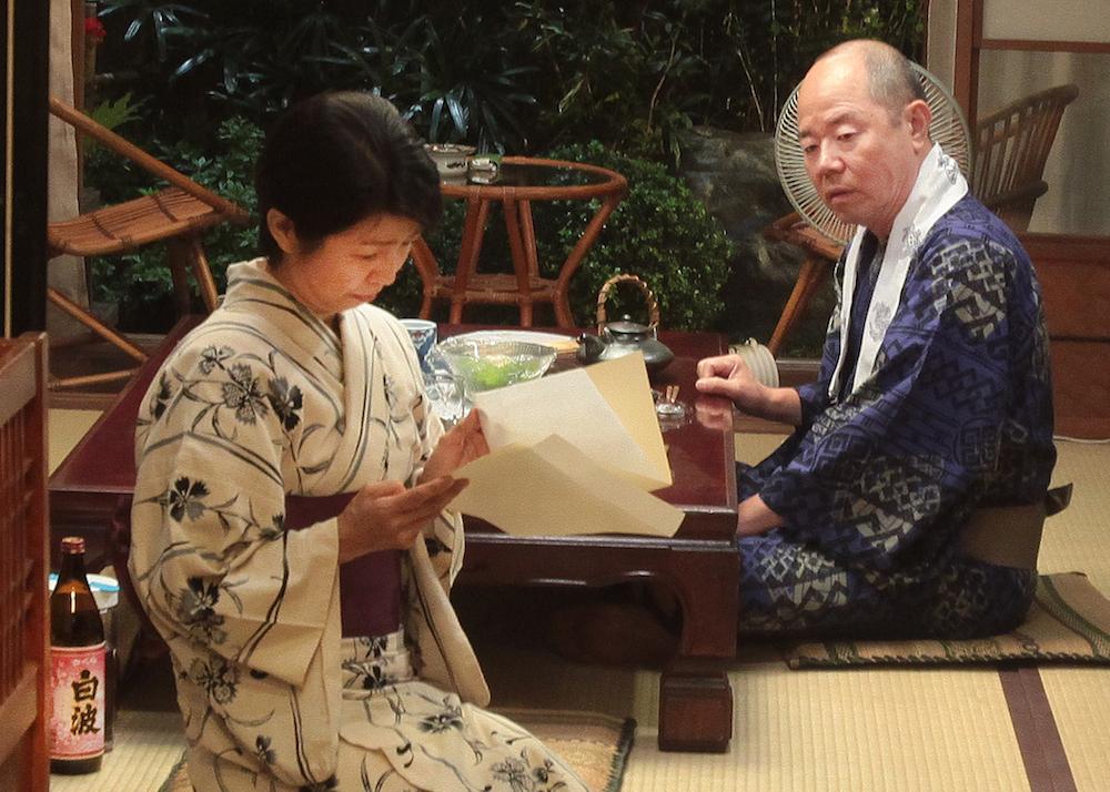 Rokugatsudou no sanshimai: Seishiro Nishida e Yoshie Ichige in una scena del film