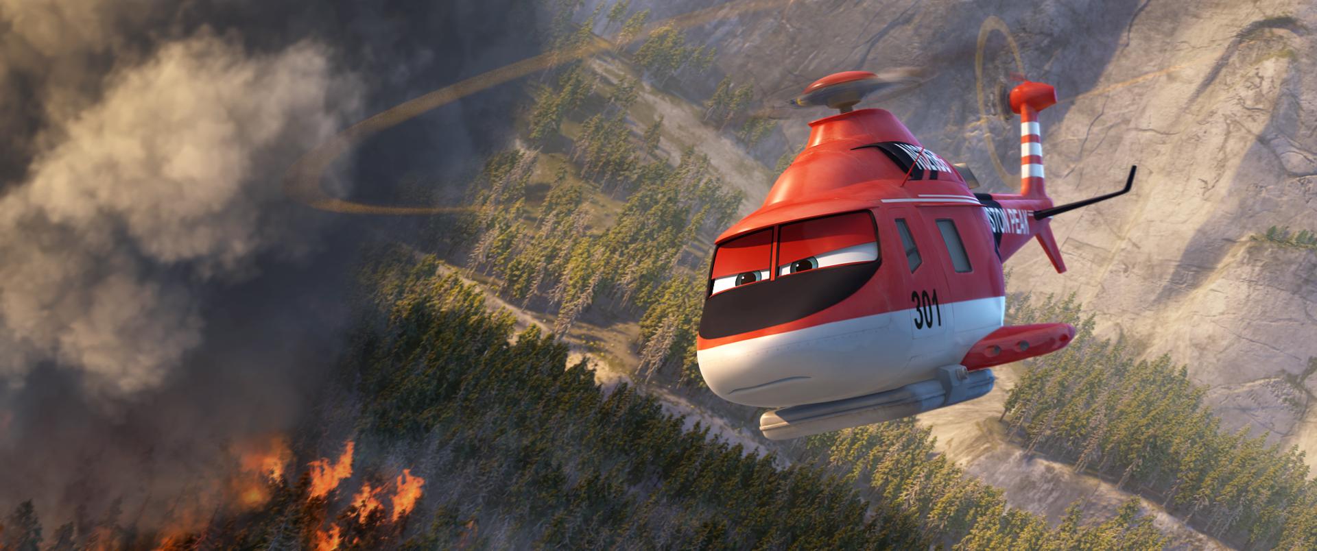 Planes 2 - Missione Antincendio: l'elicottero in azione in una scena del film