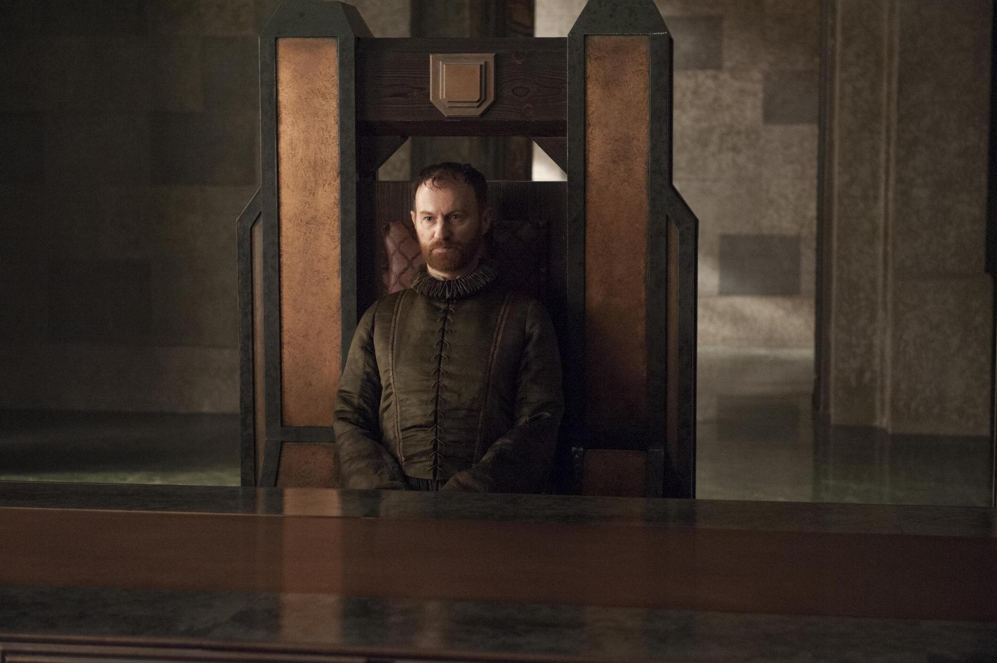Il trono di spade: Mark Gatiss in una scena dell'episodio The Laws of Gods and Men