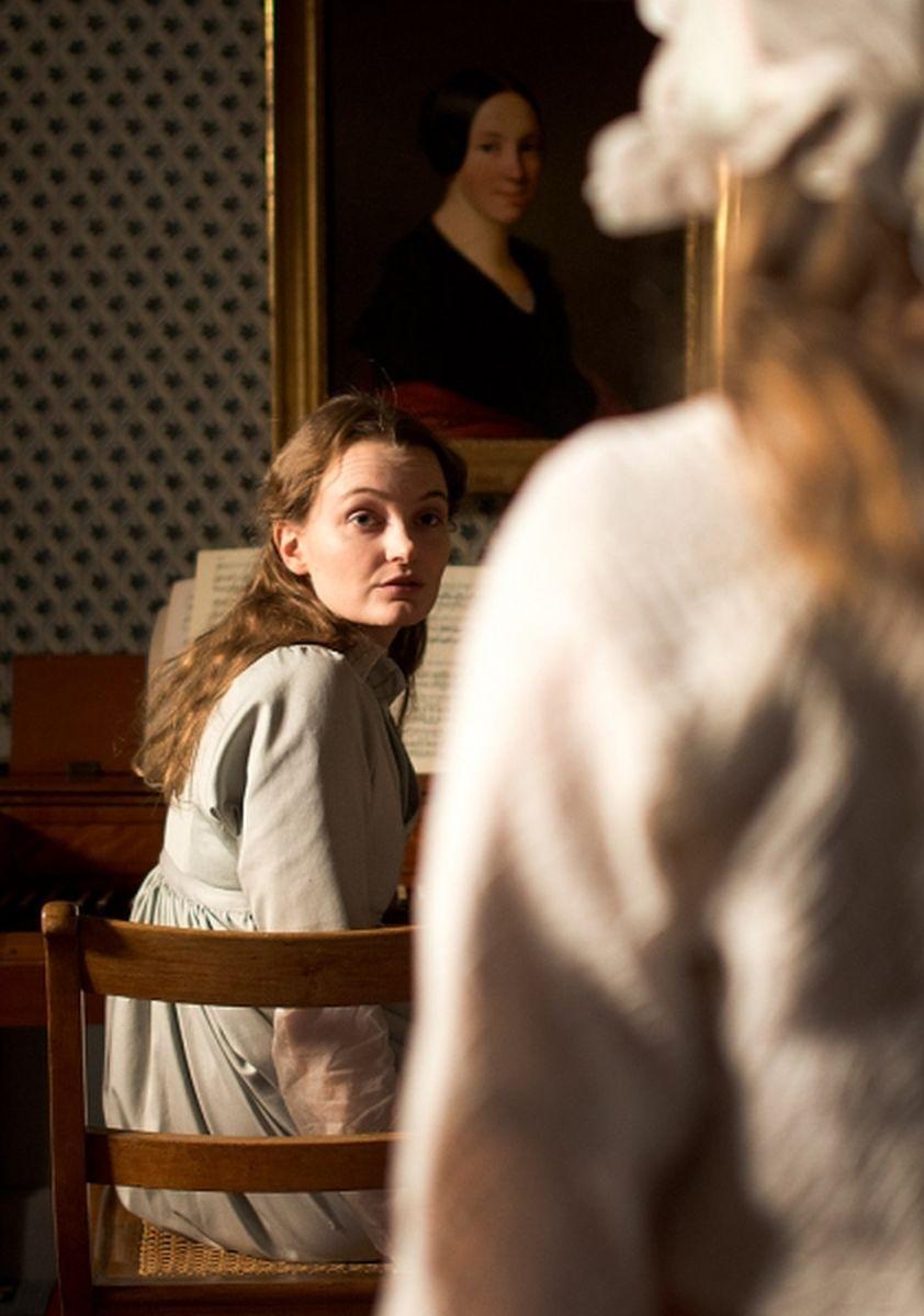 Amour fou: Birte Schnoeink in una scena del film