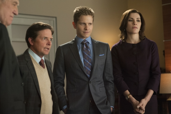 The Good Wife: Julinanna Margulies, Michael J. Fox e Matt Czuchry nell'episodio The Once Percent