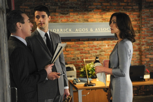 The Good Wife: Alan Cumming, Julianna Margulies e Matthew Goode nell'episodio The Once Percent