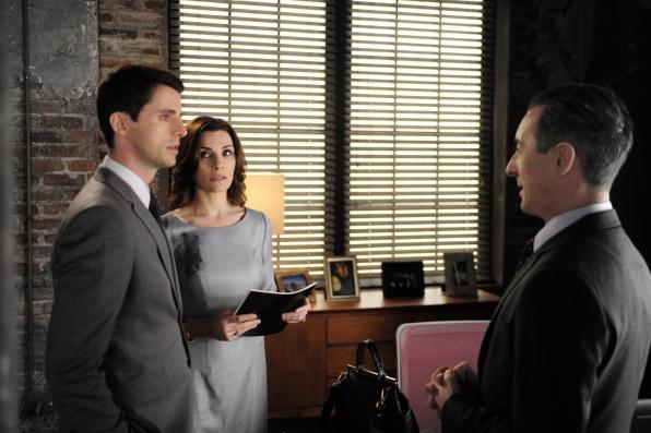 The Good Wife: Julianna Margulies, Matthew Goode e alan Cumming nell'episodio TheOne Percent