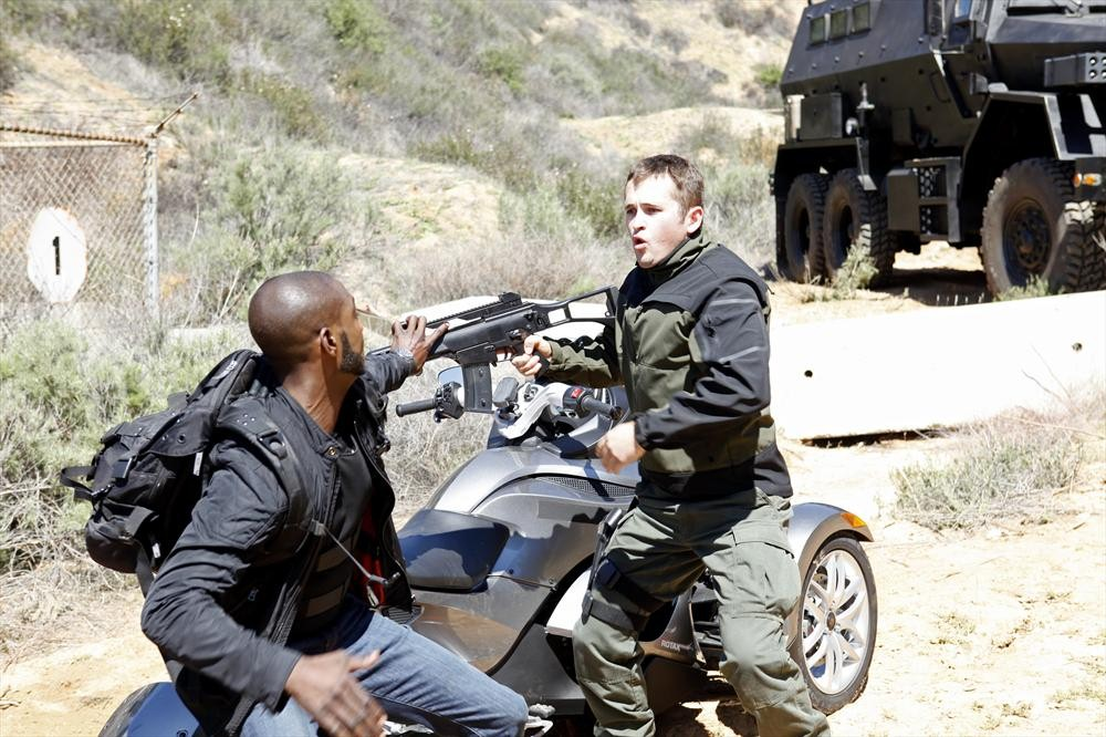 Agents of S.H.I.E.L.D.: B.J. Britt in un momento dell'episodio Beginning of the End