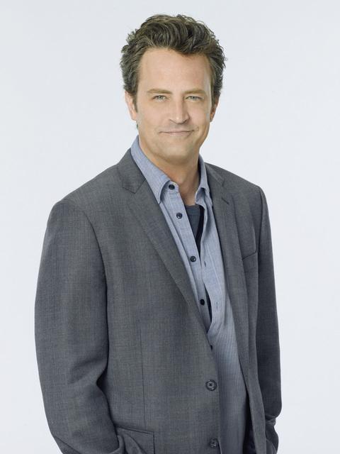 L'attore Matthew Perry in un'immagine promozionale