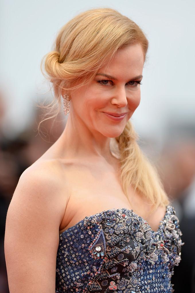 Nicole Kidman è 'Grace di Monaco' sul red carpet di Cannes nel 2014