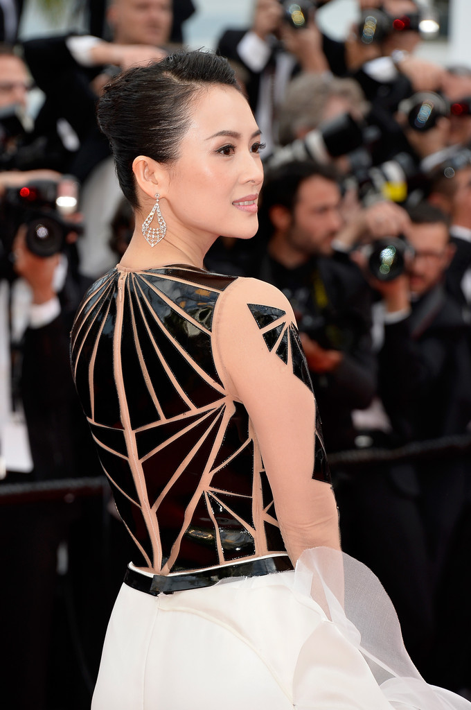 Zhang Ziyi sul red carpet di Cannes 2014, serata inaugurale