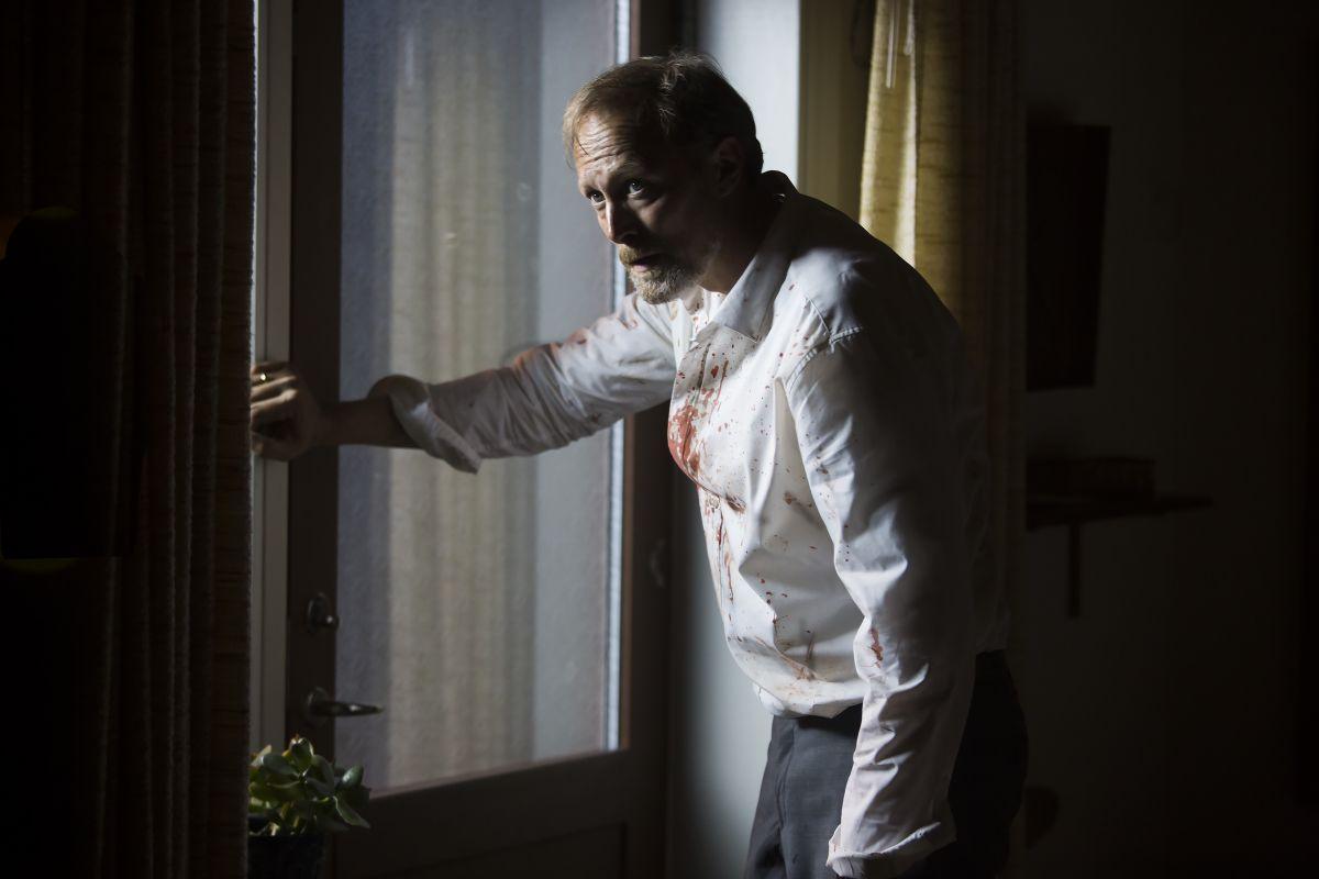 When Animals Dream: Lars Mikkelsen in una scena dell'horror