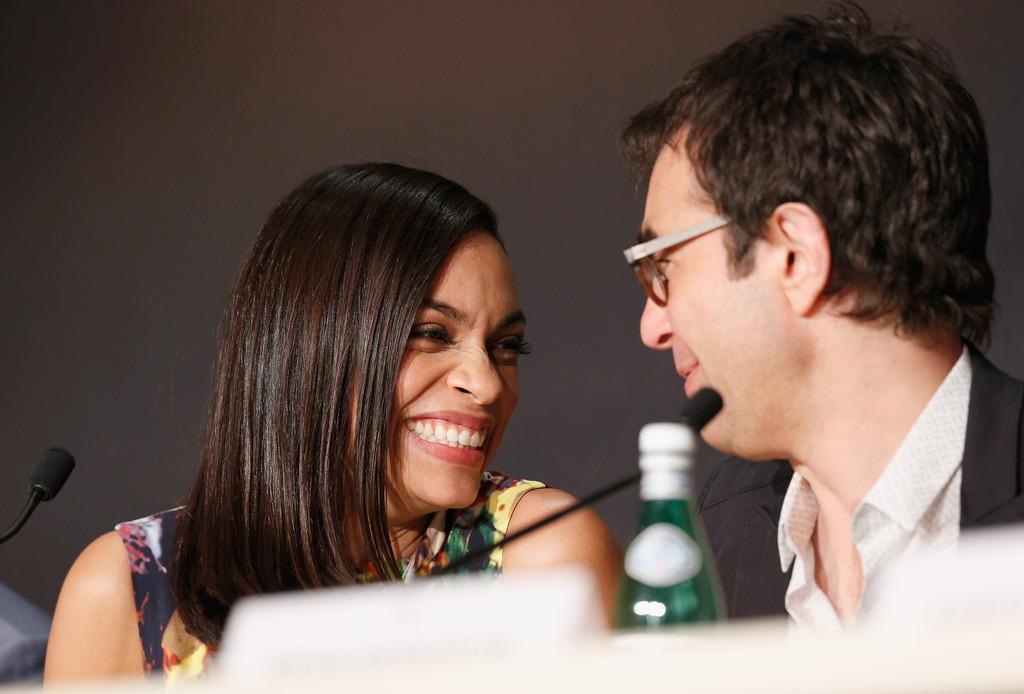 The Captive al Festival di Cannes 2014 - Rosario Dawson con Atom Egoyan durante la conferenza stampa