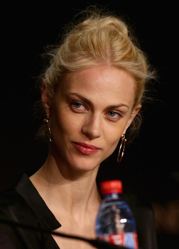 Aymeline Valade a Cannes 2014 per presentare Saint Laurent