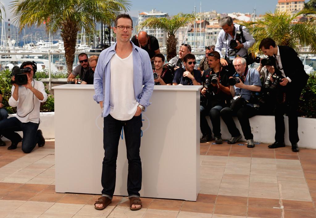 Guy Pearce - in look decisamente informale - a Cannes 2014, per presentare The Rover