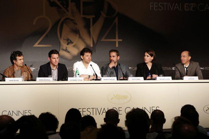 Foxcatcher: Channing Tatum, Steve Carell, Bennett Miller e Mark Ruffalo in conferenza stampa a Cannes 2014