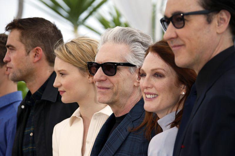 Maps to the Stars: il regista David Cronenberg con i suoi attori durante il photocall di Cannes 2014