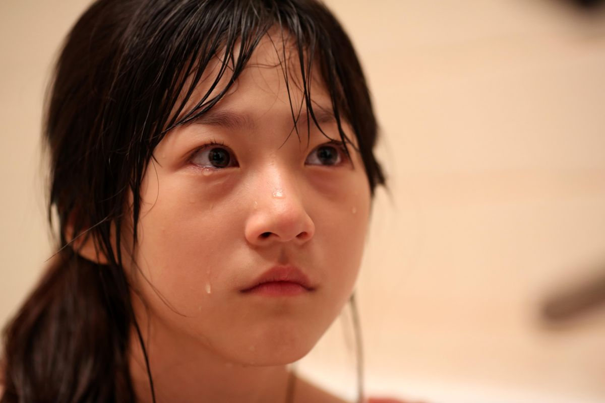 A Girl at My Door: la giovane protagonista Kim Sae Ron in una scena del film