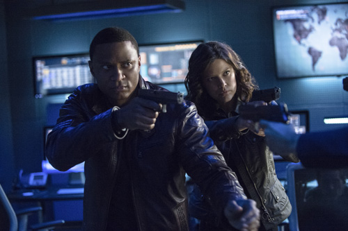 ARrow: Audrey Marie Anderson e David Ramsey nell'episodio Unthinkable