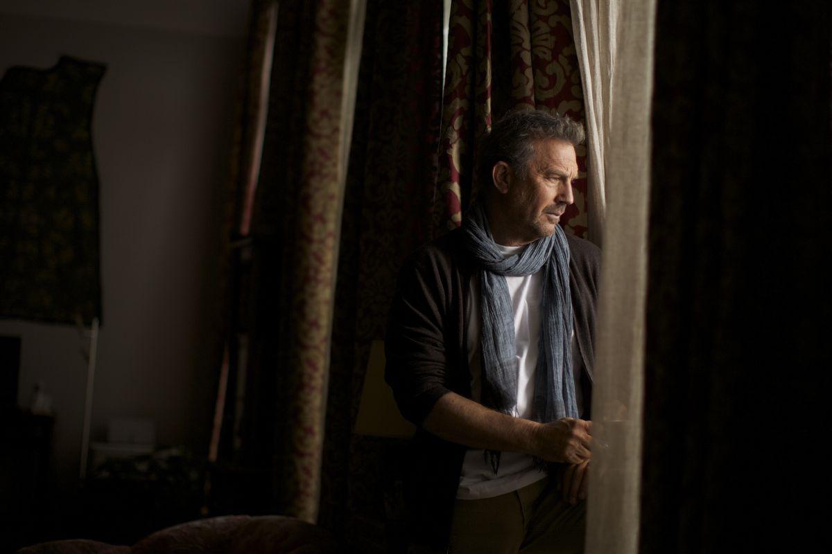 3 Days to Kill: Kevin Costner in una scena del film