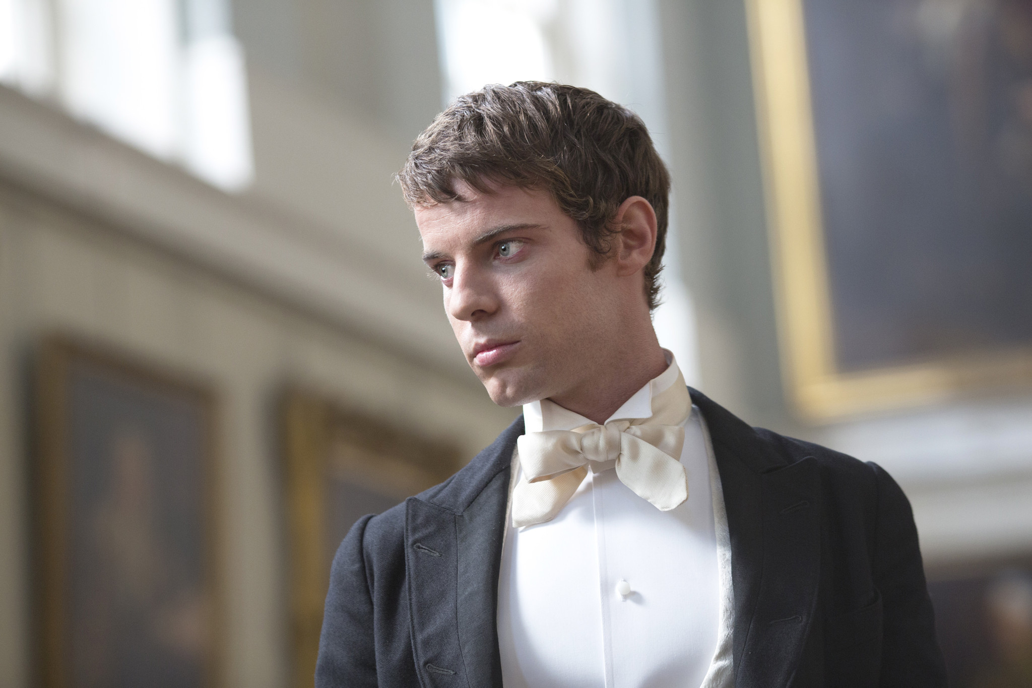 Penny Dreadful: Harry Treadaway in una scena di Night Work