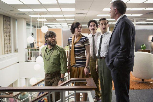 Mad Men: Elisabeth Moss, Trevor Einhorn, Ben Feldman e John Mathis nell'episodio The Monolith
