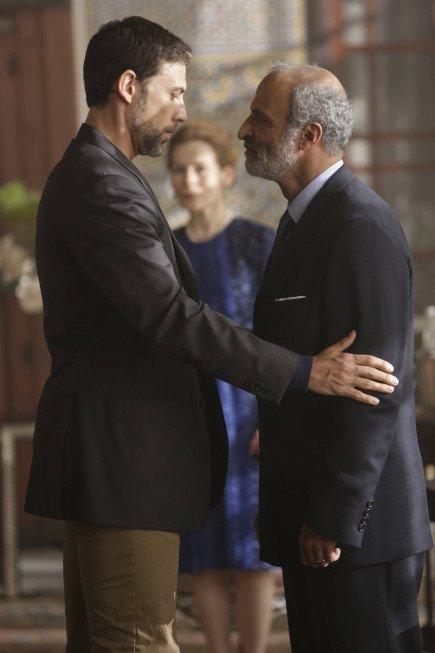 Tyrant: Nasser Faris, Adam Rayner in una scena della mini-serie