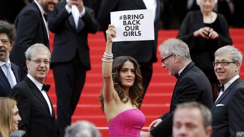 Cannes 2014: Salma Hayek sulla Montée des marches
