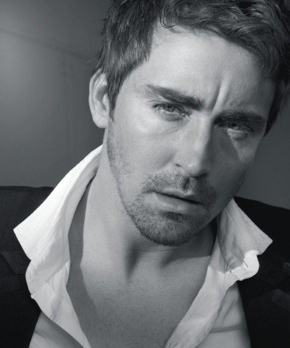 Un intenso primo piano per Lee Pace