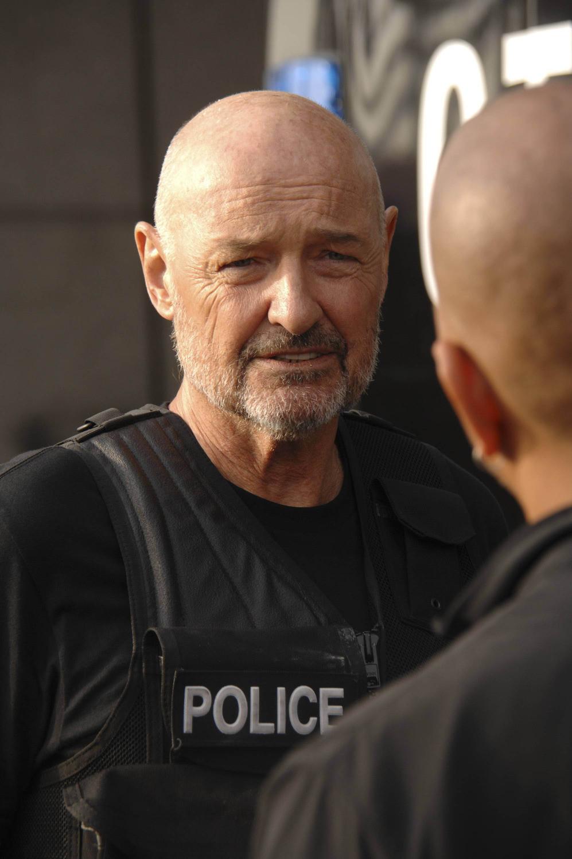 Gang Related: Terry O'Quinn nel pilot