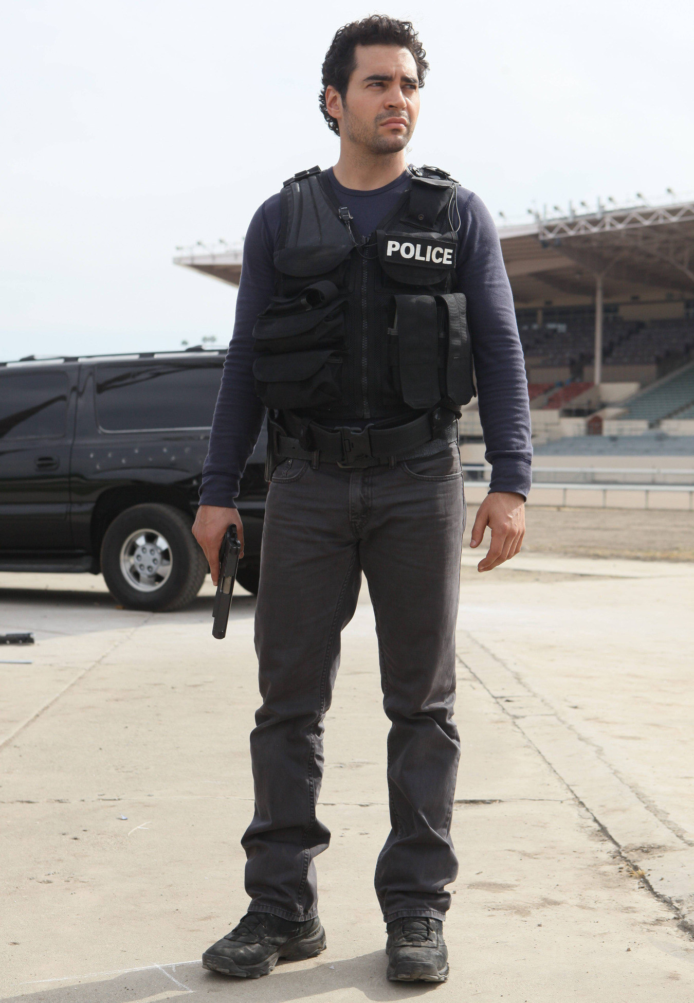 Gang Related: Ramon Rodriguez in un momento del pilot