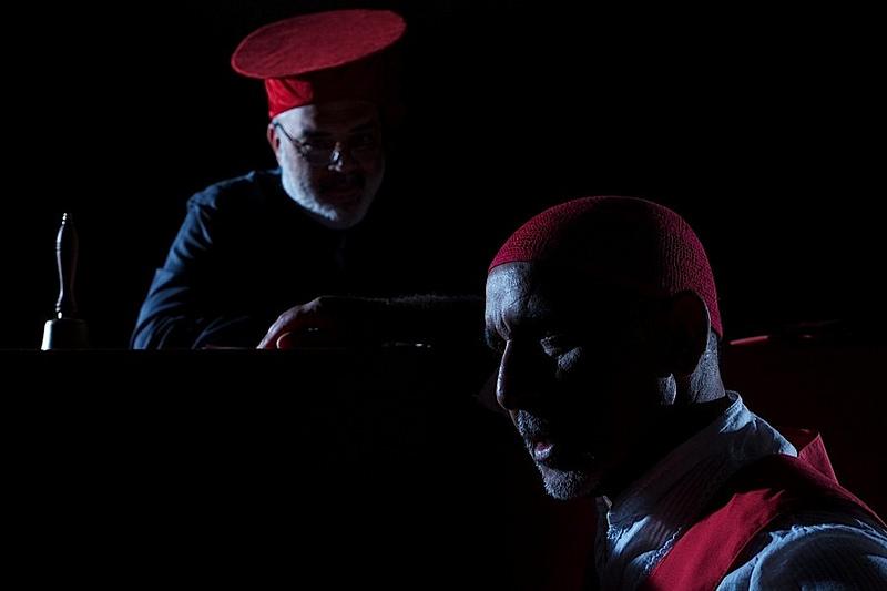Ore diciotto in punto: Giuseppe Santostefano e Paride Benassai in una scena del film