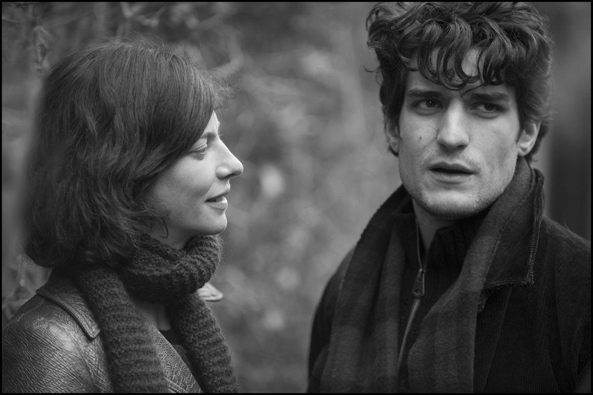 La gelosia: Louis Garrel in un momento del film con Anna Mouglalis