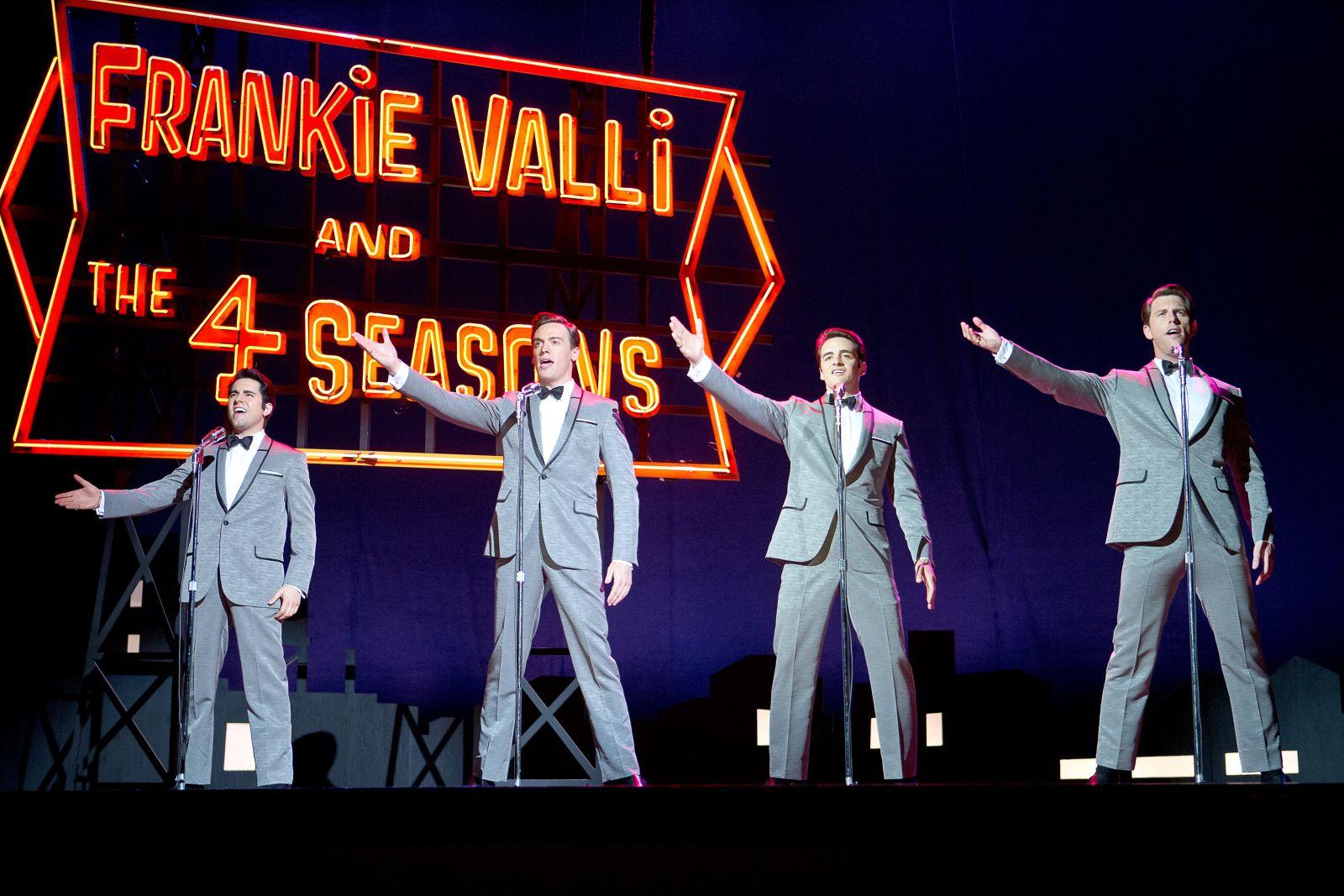 Jersey Boys: i Four Season in una scena del film di Clint Eastwood