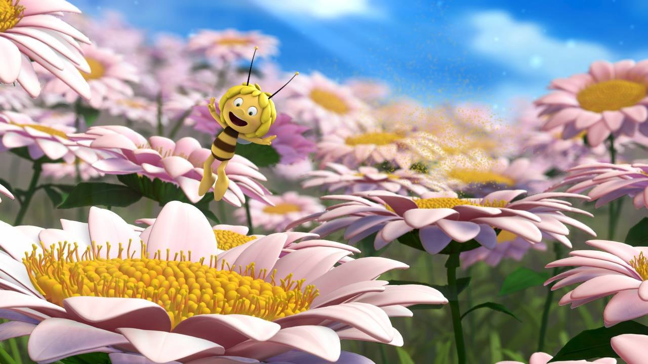 L'ape Maia - Il film: Maia svolazza sui fiori in una scena del film