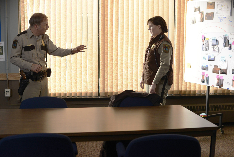 Fargo: Bob Odenkirk e Allison Tolman nell'episodio The Heap