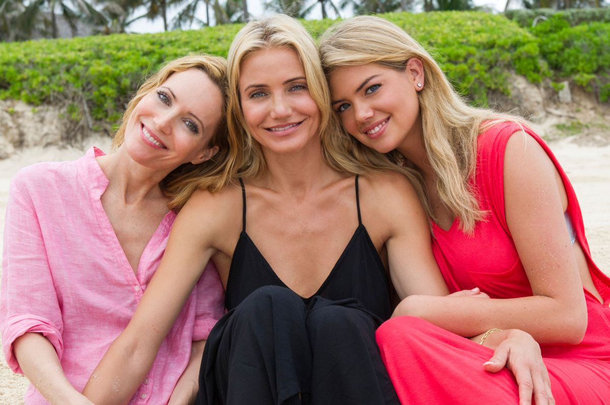 Tutte contro lui: le tre bellissime protagoniste in un'immagine promozionale