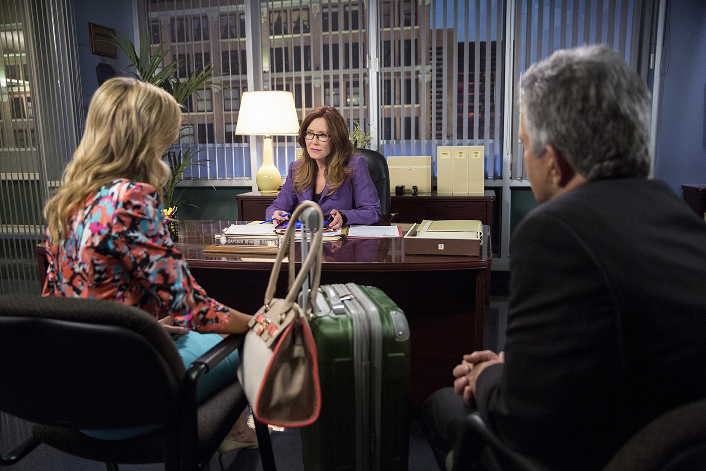 Major Crimes: Mary McDonnell in una scena dell'episodio Flight Risk