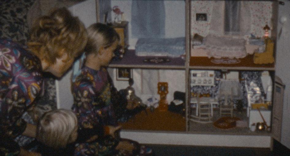 Stories We Tell: una scena dell'infanzia di Sarah Polley immortalata nel documentario da lei diretto