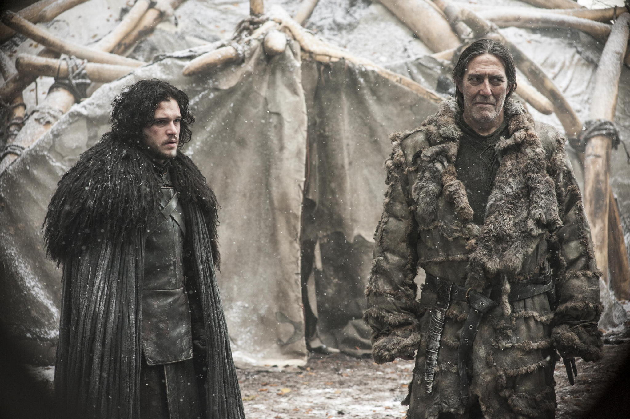 Il trono di spade: Kit Harington e Ciaran Hinds nell'episodio The Children