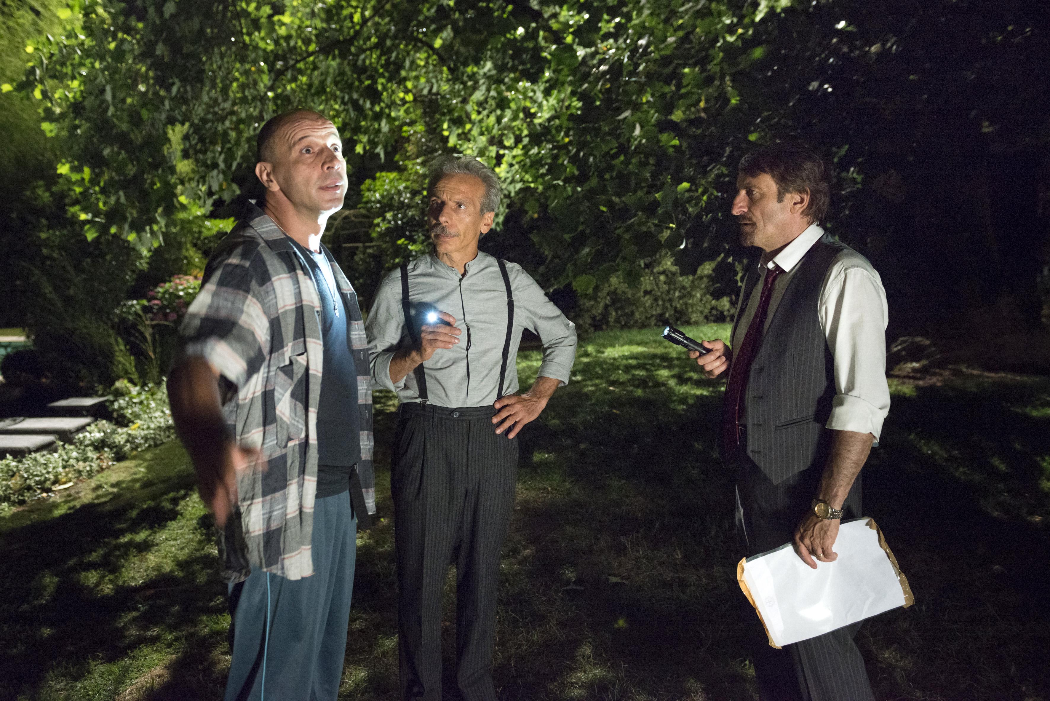 Il ricco, il povero e il maggiordomo: Aldo, Giovanni e Giacomo in una scena del film