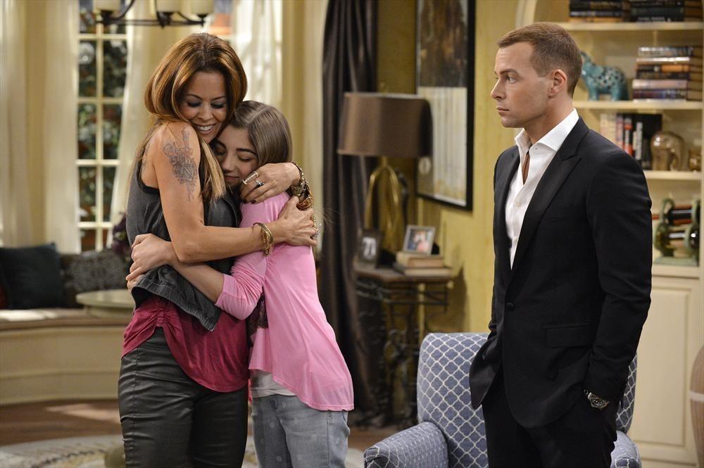 Melissa & Joey: Brooke Burke-Charvet, Jada Facer e Joseph Lawrence nell'episodio At Last