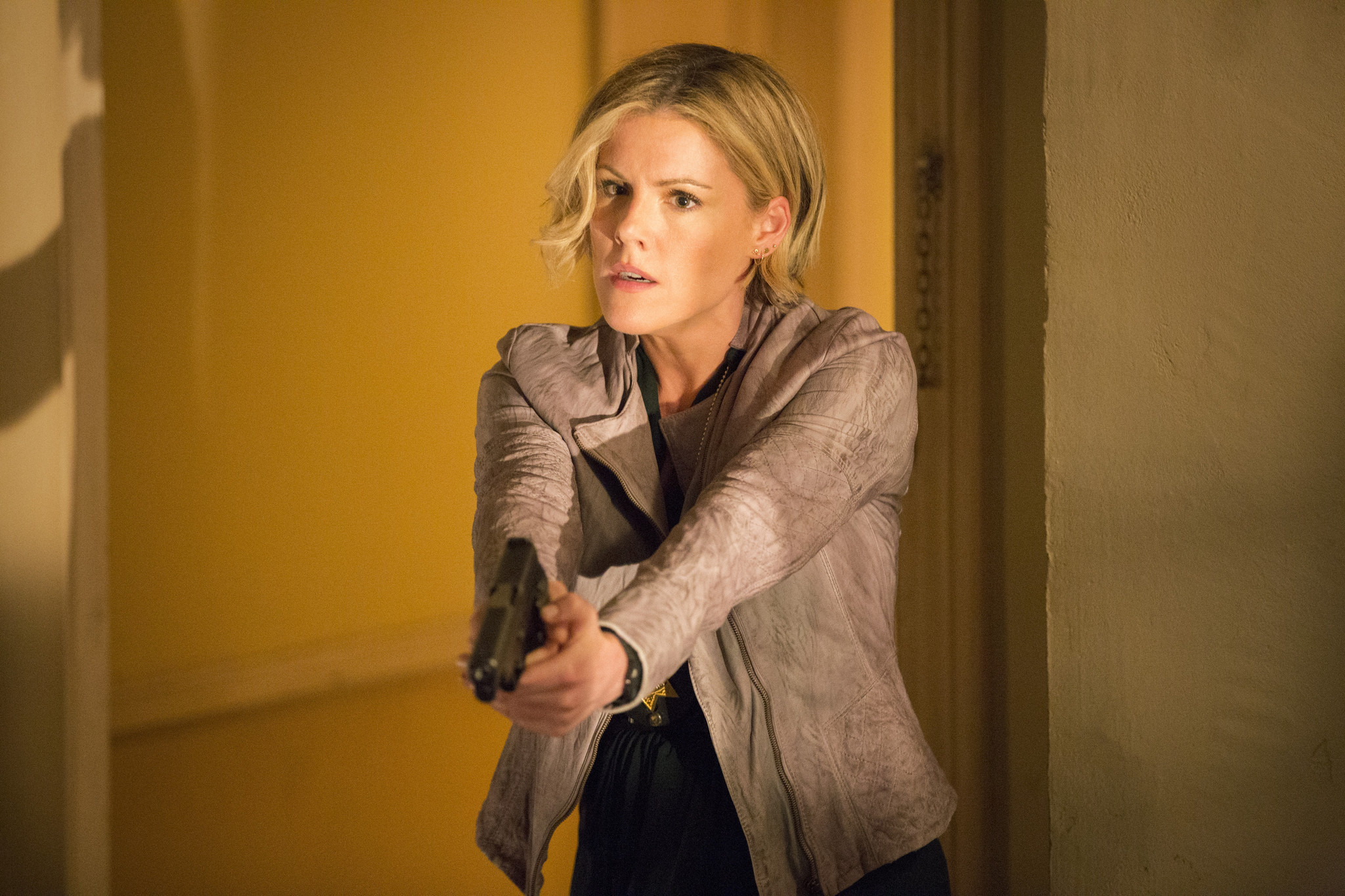 Murder in the First: Kathleen Robertson nell'episodio The City of Sisterly Love
