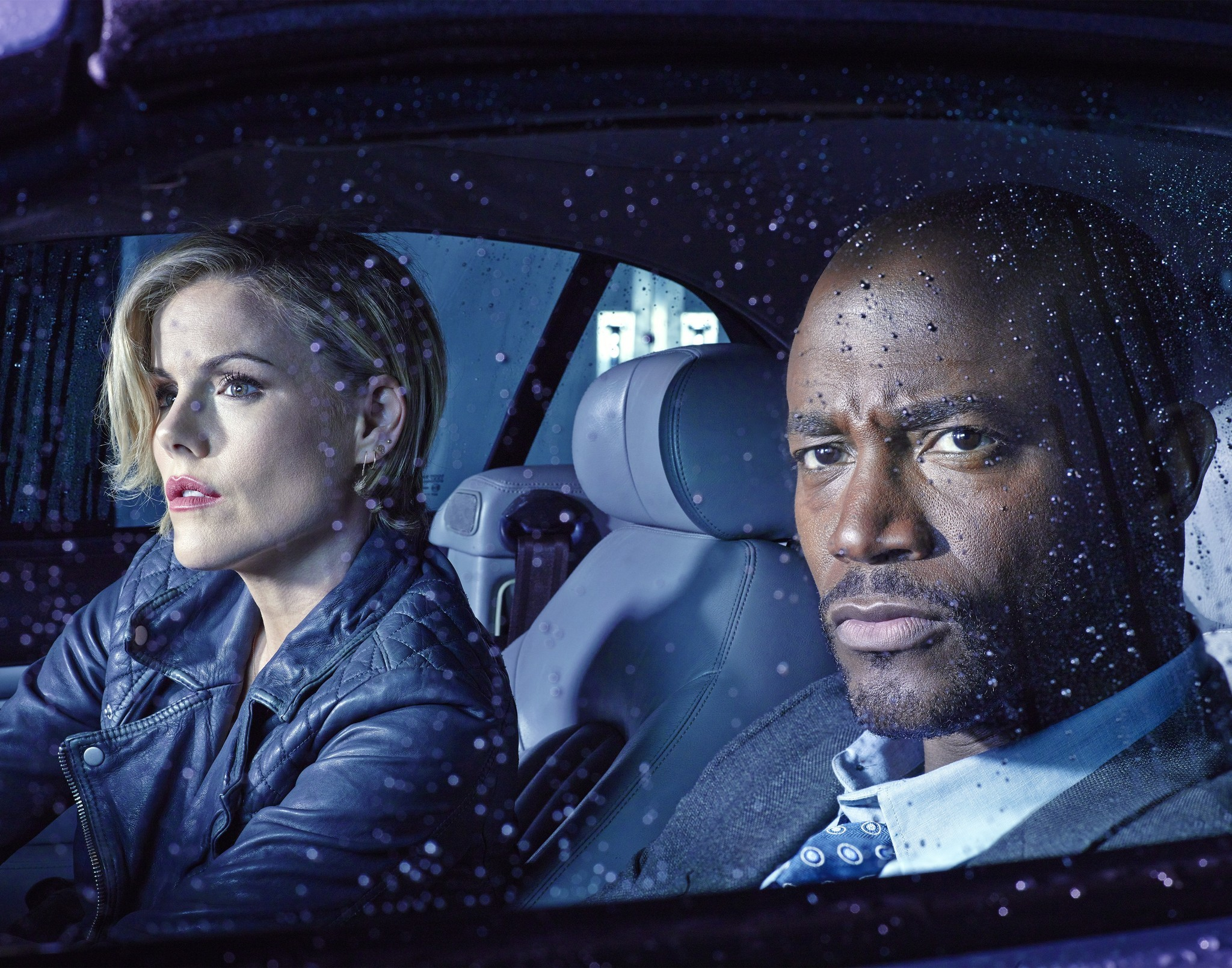 Murder in the First: Taye Diggs insieme a Kathleen Robertson nell'episodio The City of Sisterly Love