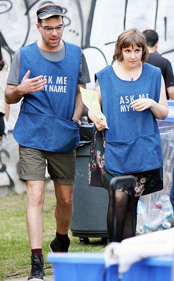 Girls: Zachary Quinto sul set della quarta stagione con Lena Dunham