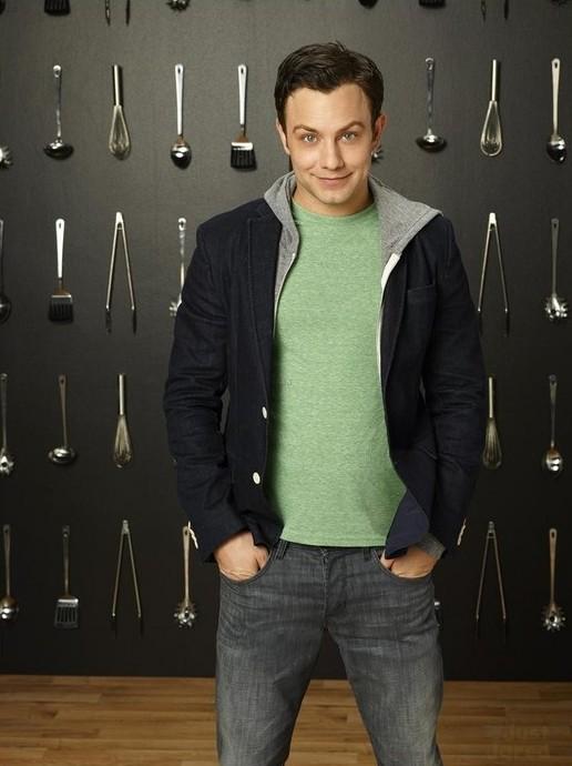 Young & Hungry: Jonathan Sadowski in un'immagine promozionale della prima stagione