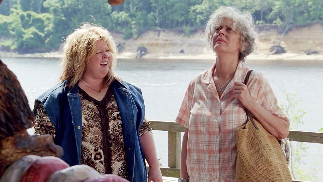 Tammy: Melissa McCarthy e Susan Sarandon osservano le Cascate del Niagara
