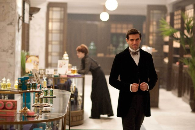 Mr. Selfridge: Grégory Fitoussi nella prima stagione