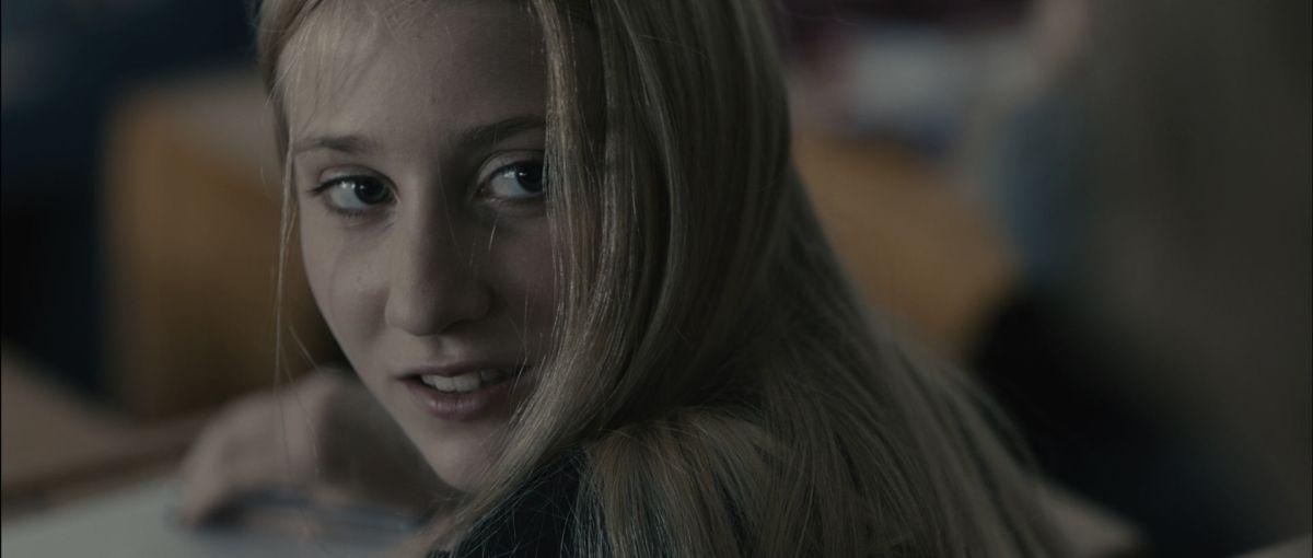 Il ragazzo invisibile: Noa Zatta nei panni di Stella in una scena del film