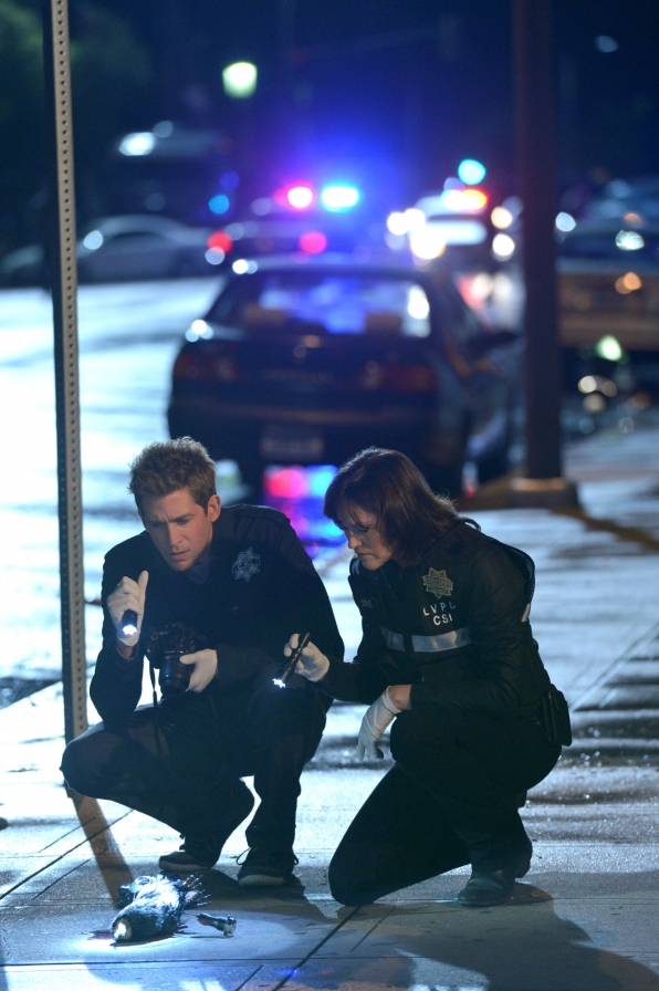 CSI: Eric Szmanda e Jorja Fox in un momento dell'episodio Killer Moves